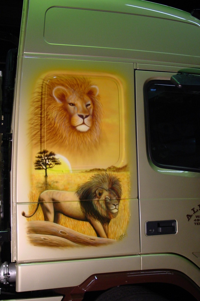 "Airbrush Truck ""Afrika"" Detail"