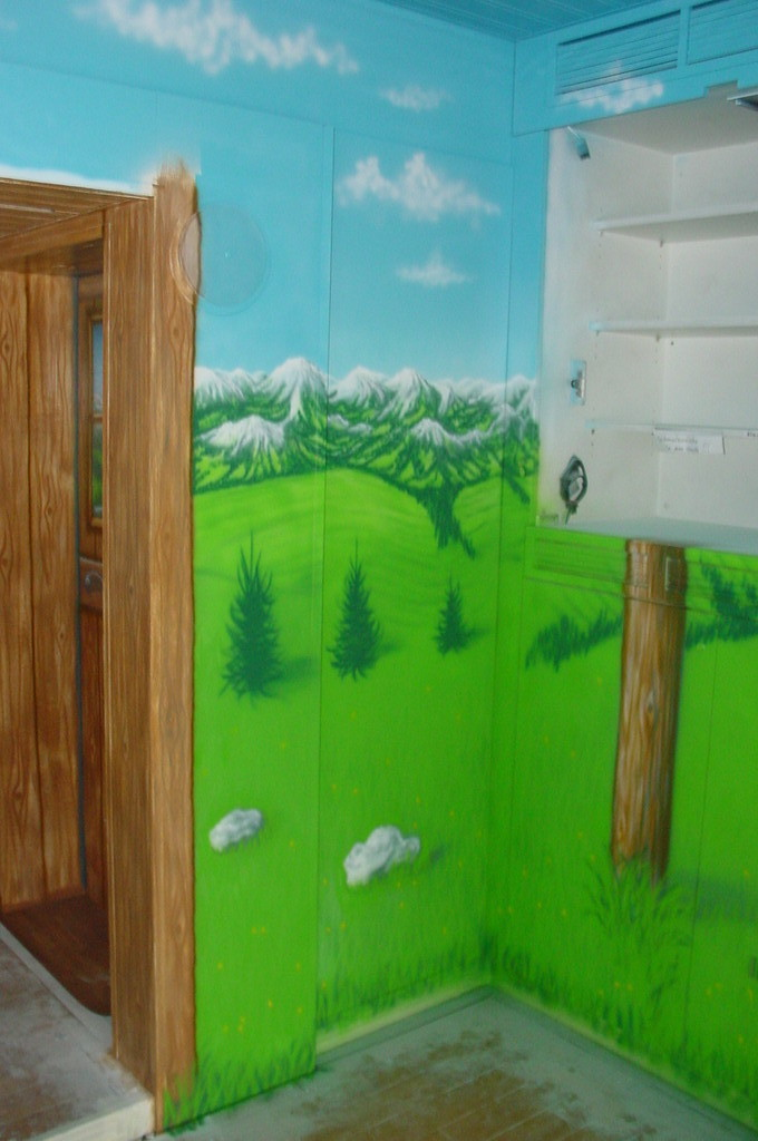 "Airbrush ""Milka Innenausbau"" Detail"