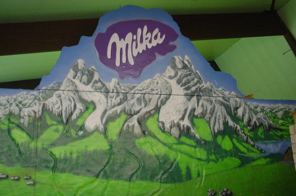 "Airbrush ""Milka Innenausbau"""