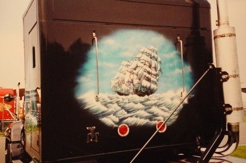 "Airbrush Truck ""Segelschiffe"" Detail Rückseite"