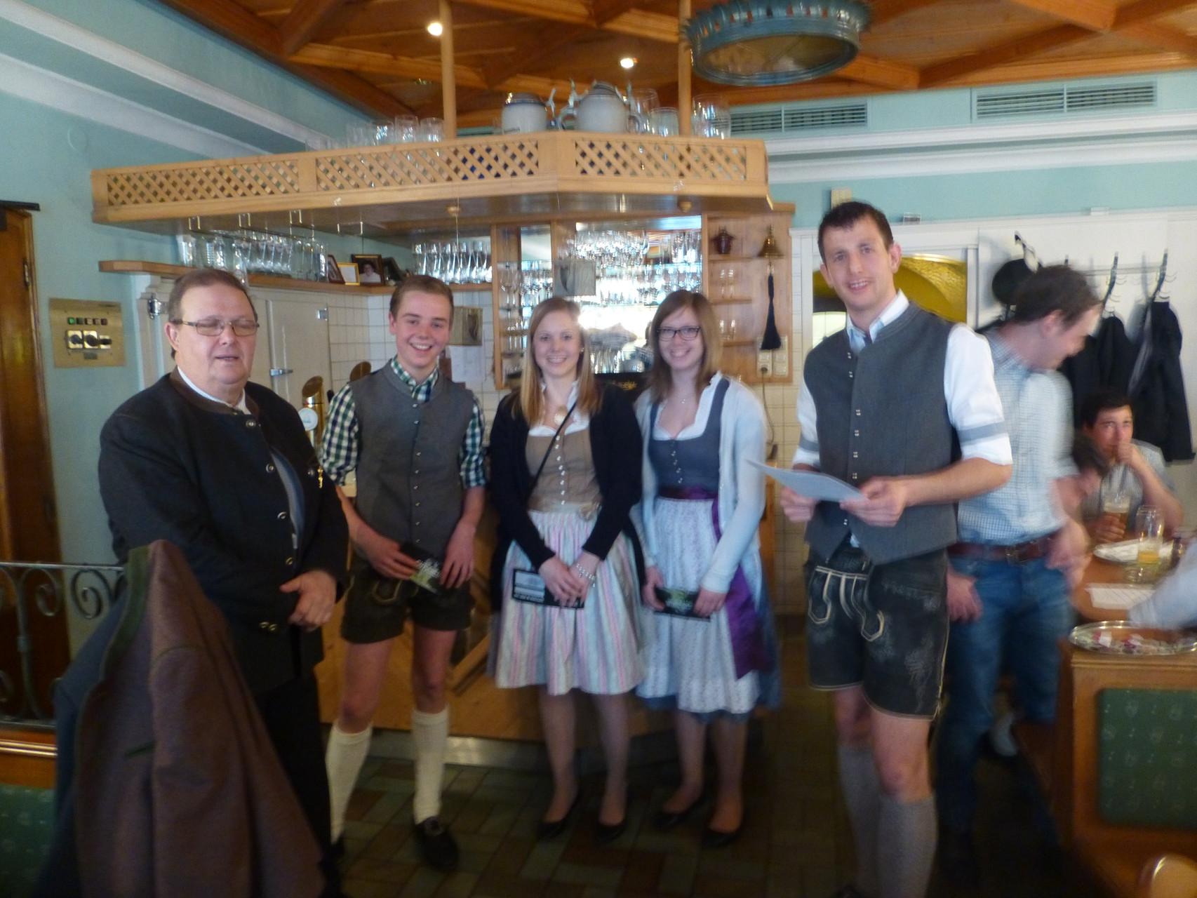 Die fleißigsten Probgeher: Simon Ramsauer, Daniela Mühlthaler und Laura Seidl (nicht im Bild: Theresa Schönleitner)