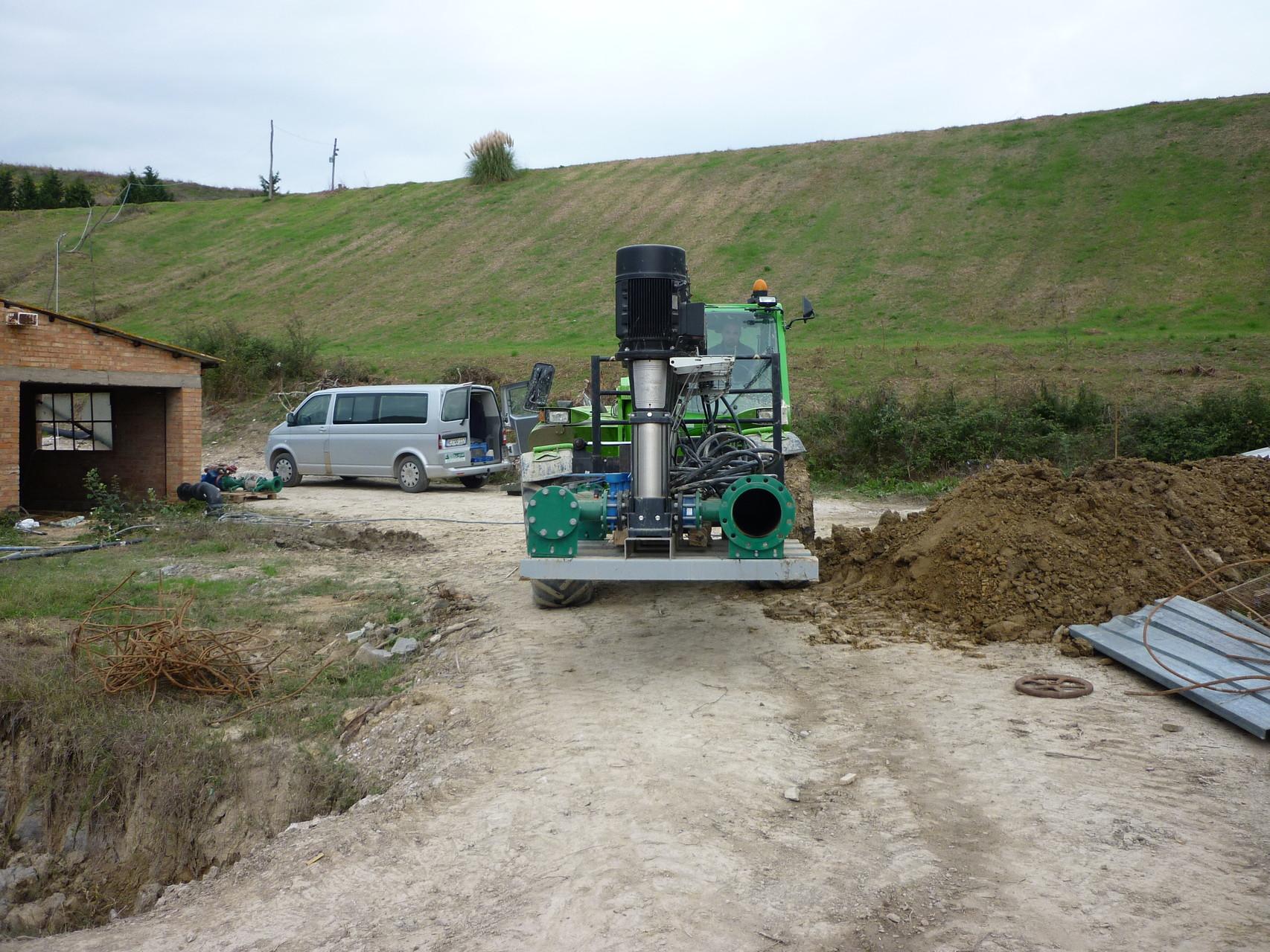Installation von zwei Pumpstationen auf dem Golfplatz Castellfalfi Italien