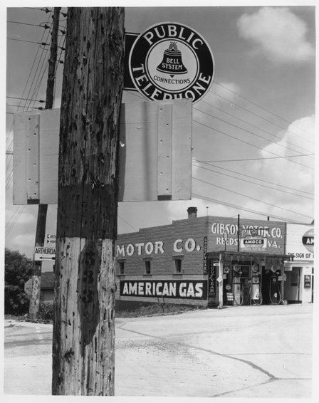 © Walker Evans, Highway corno, Reedsville, West-Virginia, June 1935, LC-USF 342 TOI 847
