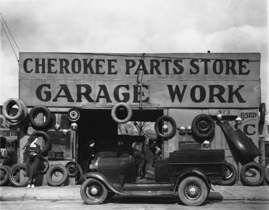 © Walker Evans, Garage, Atlanta, Georgia, März 1936, LC-USF 342 TOI 8100