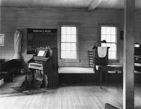 © Walker Evans, Church Interior, Alabama or Tennessee, 1936; Library of Congress, LC-USF 342 TOI 8285
