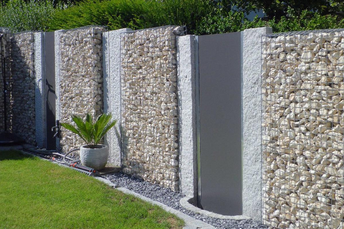 Gabionen ( Steinkörbe) kombiniert mit Granit und Argolite