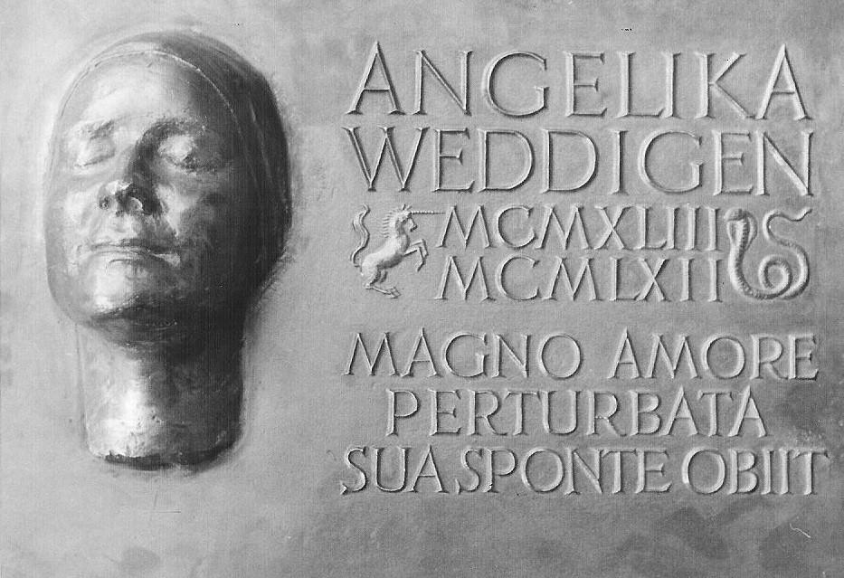 Die bronzene Grabplatte Angelikas in Pont Audemer, Normandie