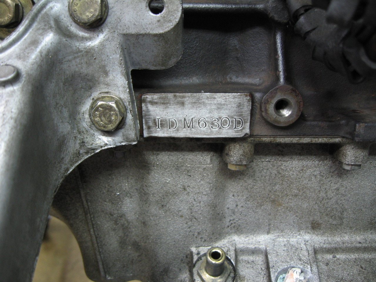 エンジン型式 : IDM630D