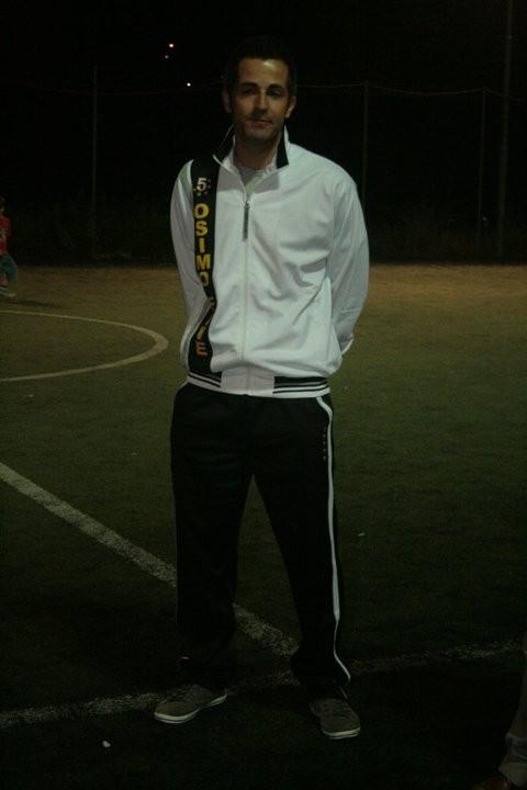 il giocatore della prima squadra Agostinelli e i nuovi colori dell'A.S.D. Osimo Five