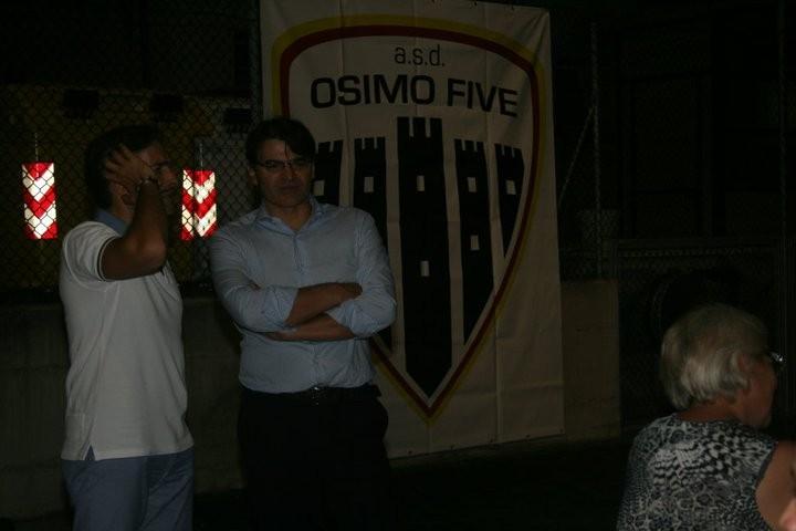 ancora l'ex sindaco davanti al nuovo stemma