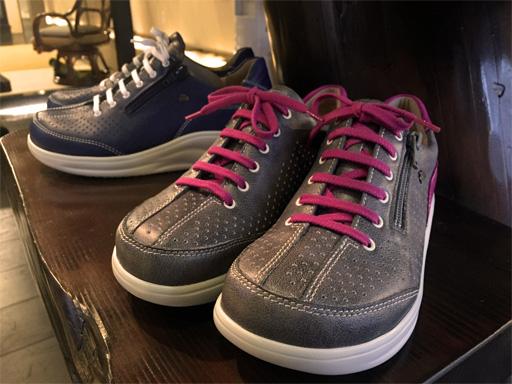 靴ひものある靴でも「ジッパー付き」は脱ぎ履きしやすく人気です! FinnComfort/OZE/45360