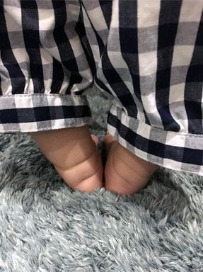 わが子のムチムチの足!