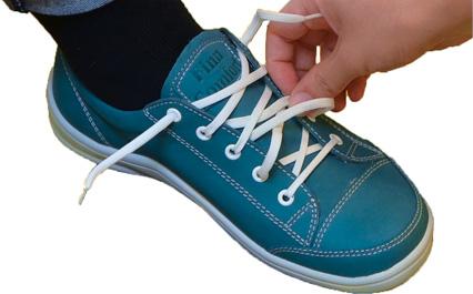 どうしても靴が締め直せない方はゴム製の伸縮する靴ひもを使用するのも手です