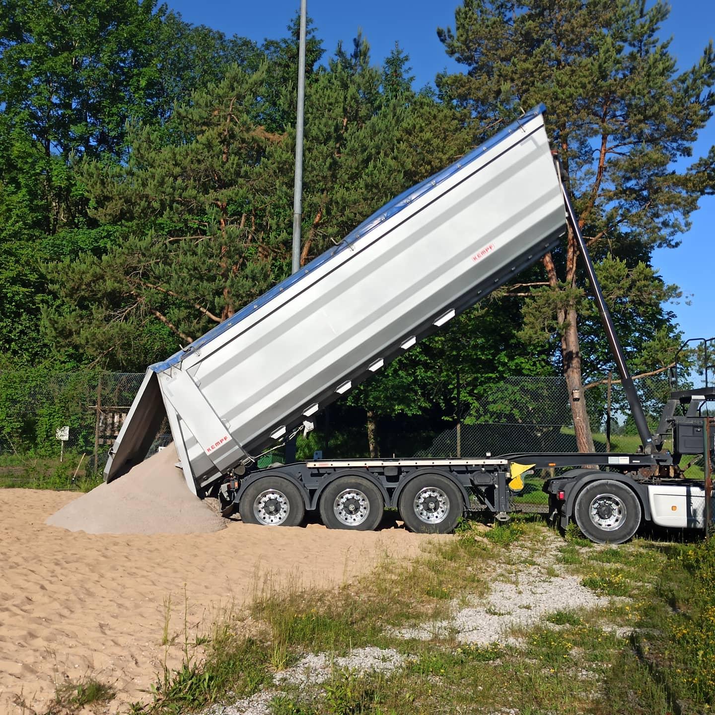 Ankunft Sand Laster 1