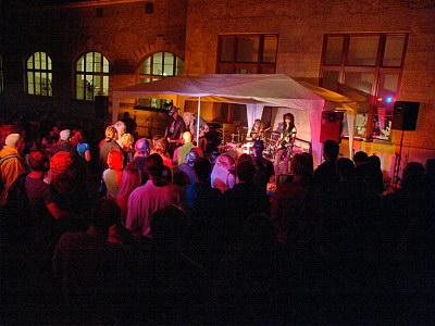 Konzerte im Bürgerhof 26.06.09 Hollywood Burnouts - Freiwilligen-Zentrum Augsburg - Foto: Hugo Fössinger