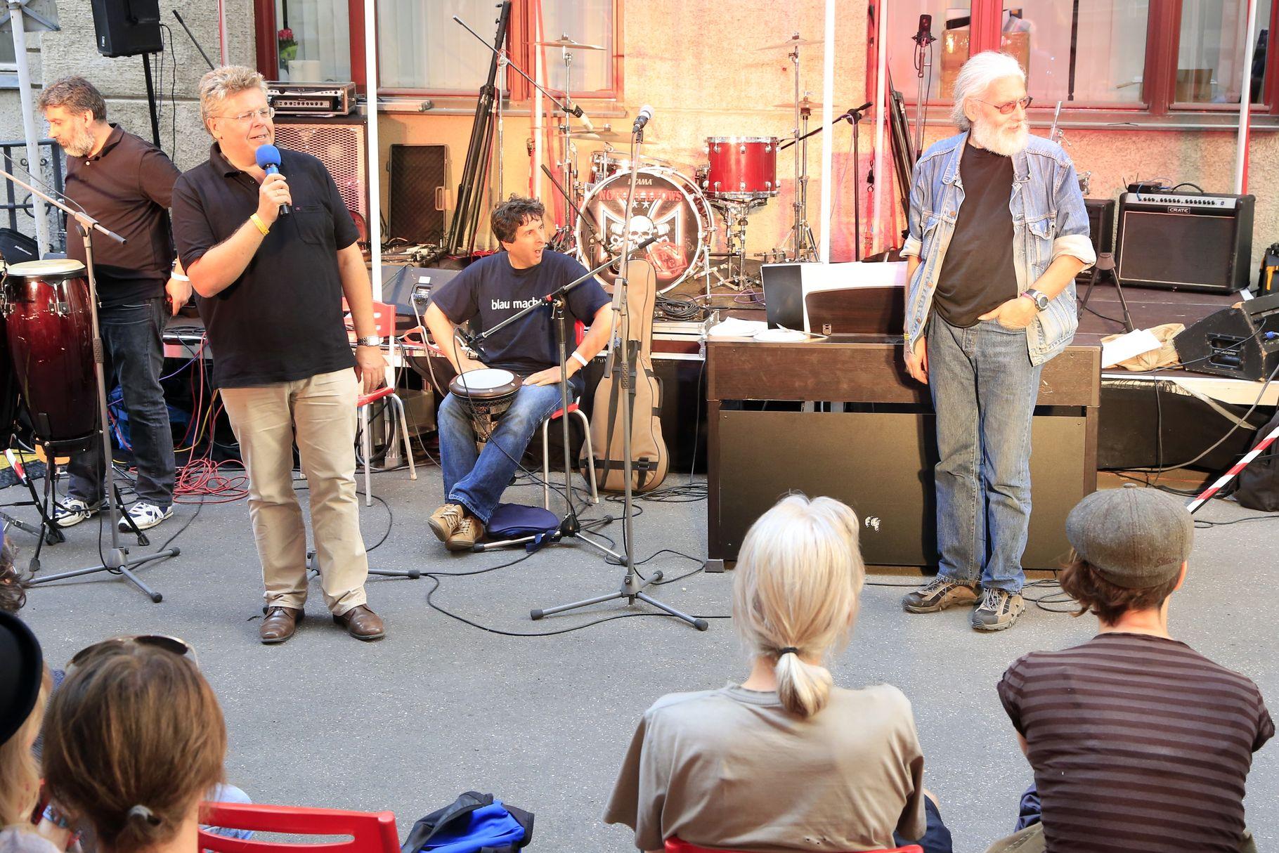 Konzerte im Bürgerhof 26.06.14 Wolfgang Krell und Wolfgang F. Lightmaster - Freiwilligen-Zentrum Augsburg - Foto: Franz Lechner