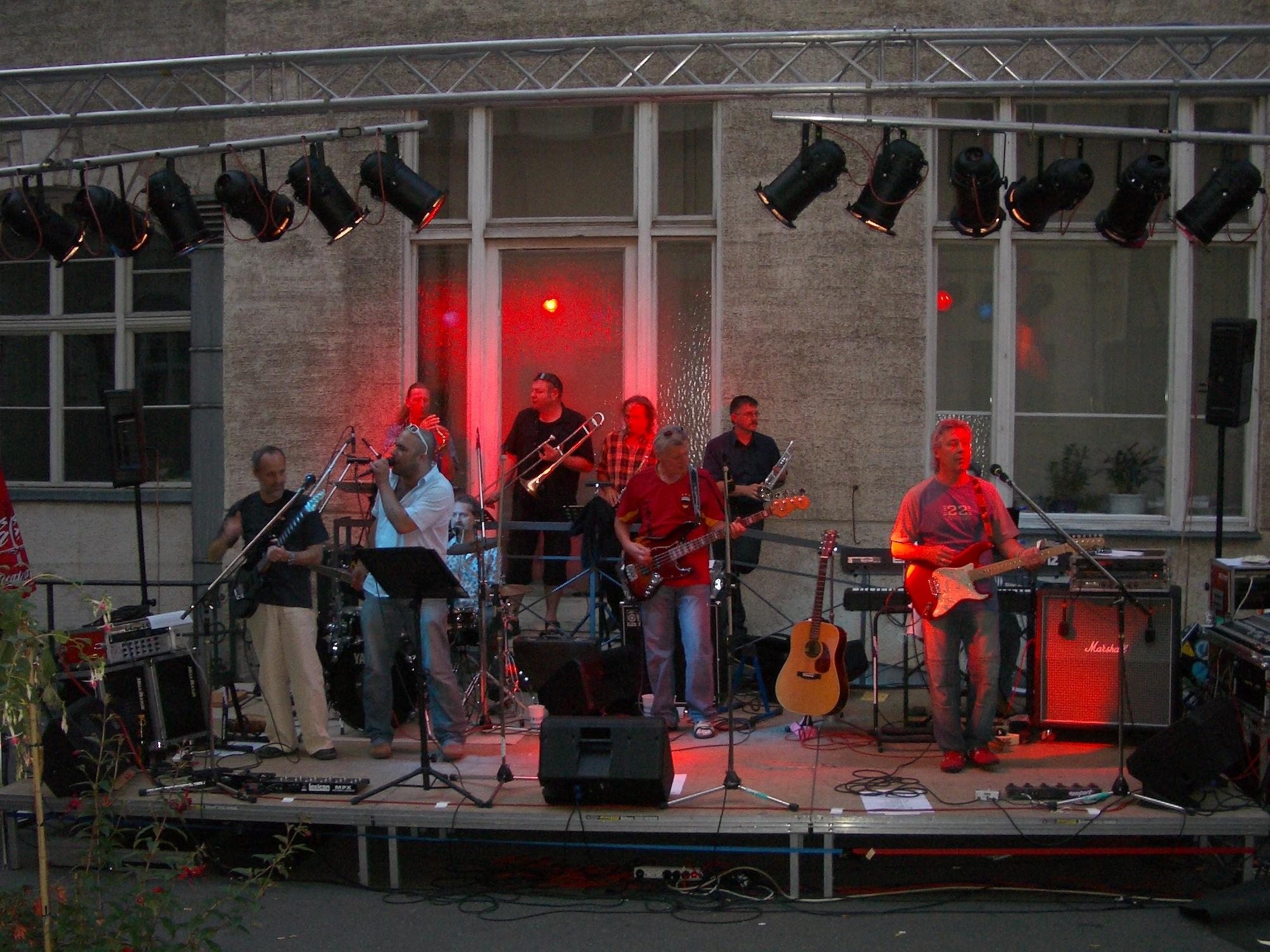Konzerte im Bürgerhof 2006 Newport - Freiwilligen-Zentrum Augsburg - Foto: Wolfgang F. Lightmaster