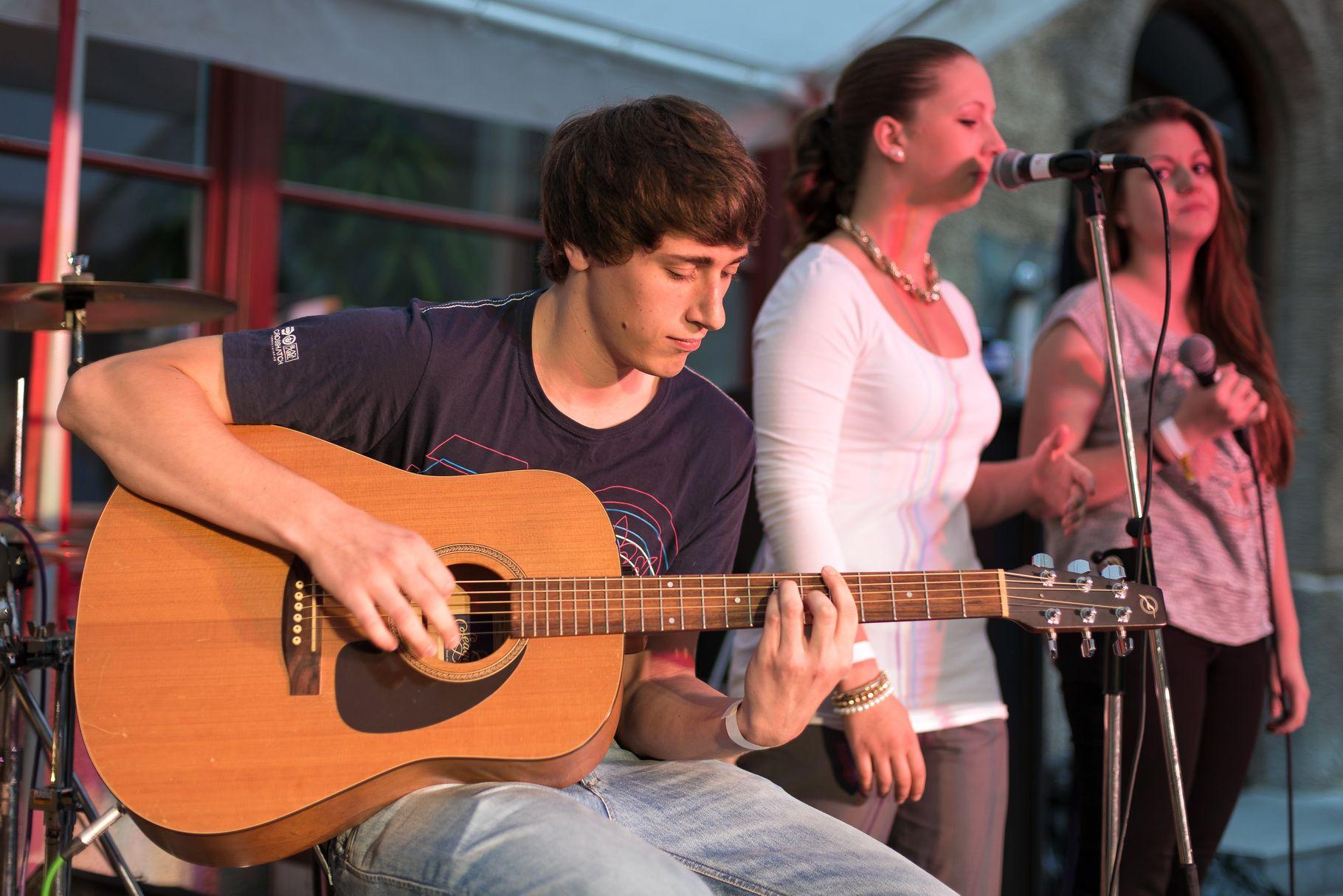 Konzerte im Bürgerhof 28.06.14 Street Academy - Freiwilligen-Zentrum Augsburg - Foto: Martin Schönberger