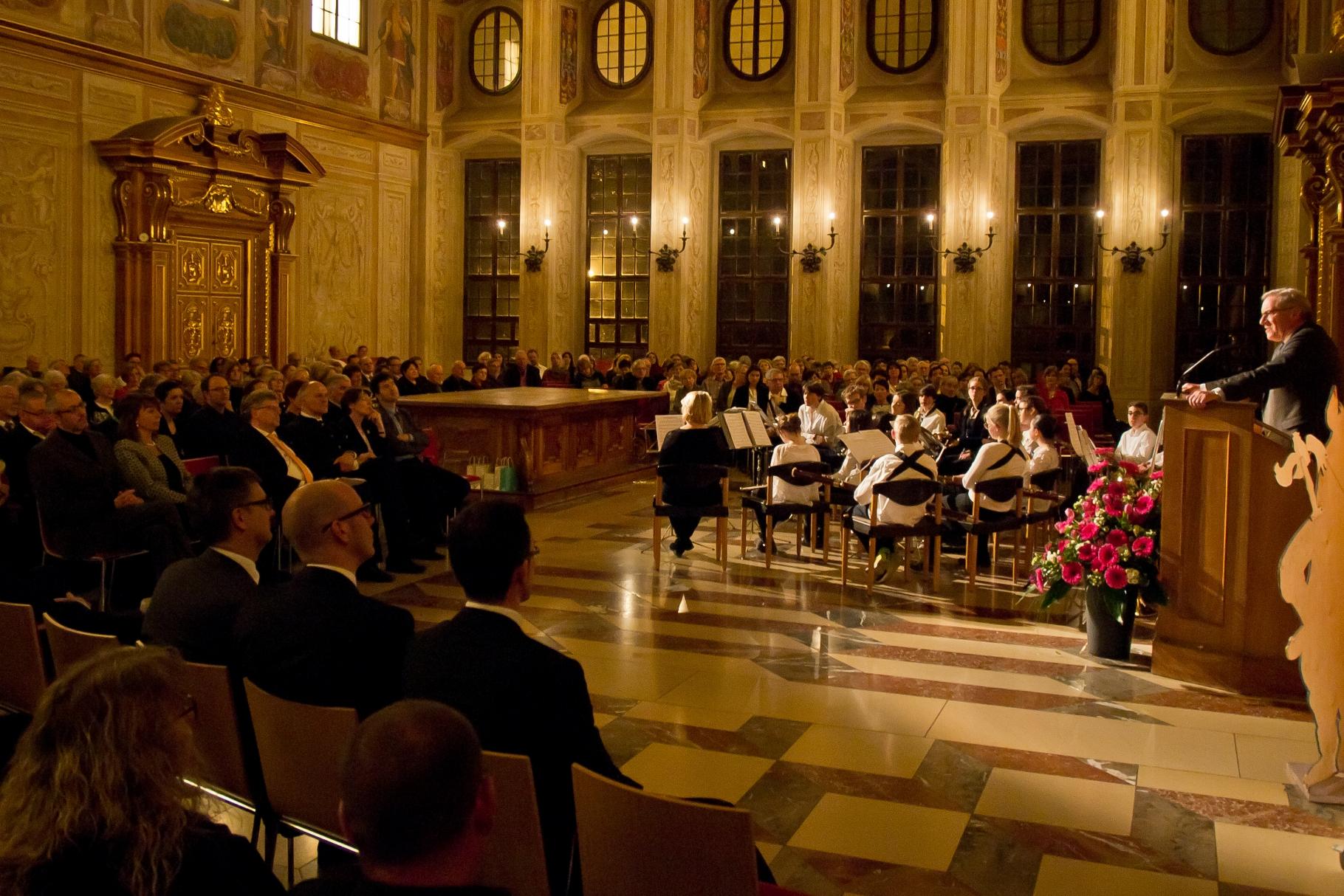Festakt 20 Jahre Freiwilligen-Zentrum Augsburg - 24.03.2017 im Goldenen Saal Rathaus Augsburg - Foto: Robert Hösle