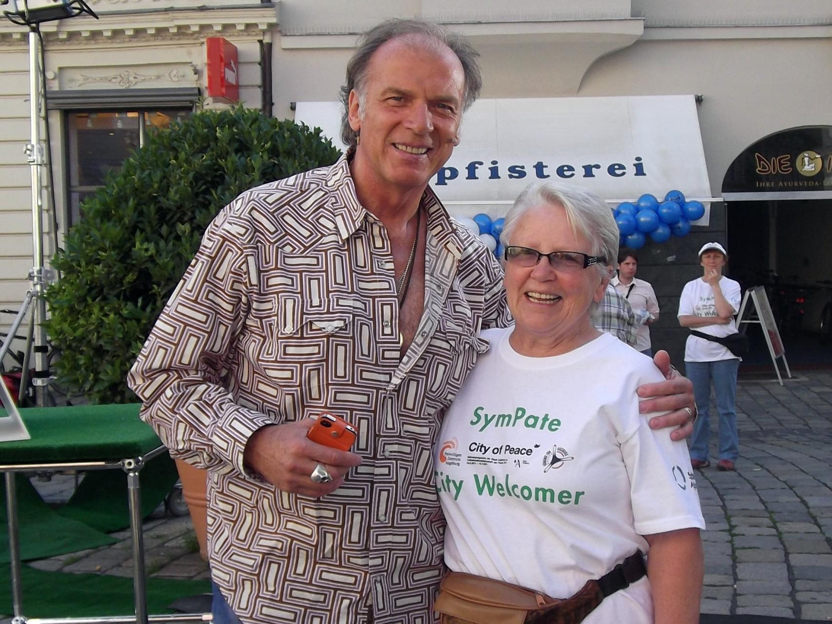 SymPaten - City Welcomers 2011 - Auch der Schauspieler Wolfgang Fierek ließ sich beraten - Foto: Freiwilligen-Zentrum Augsburg