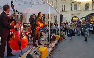 Konzerte im Bürgerhof 26.06.09 Cash-Union - Freiwilligen-Zentrum Augsburg - Foto: Hugo Fössinger