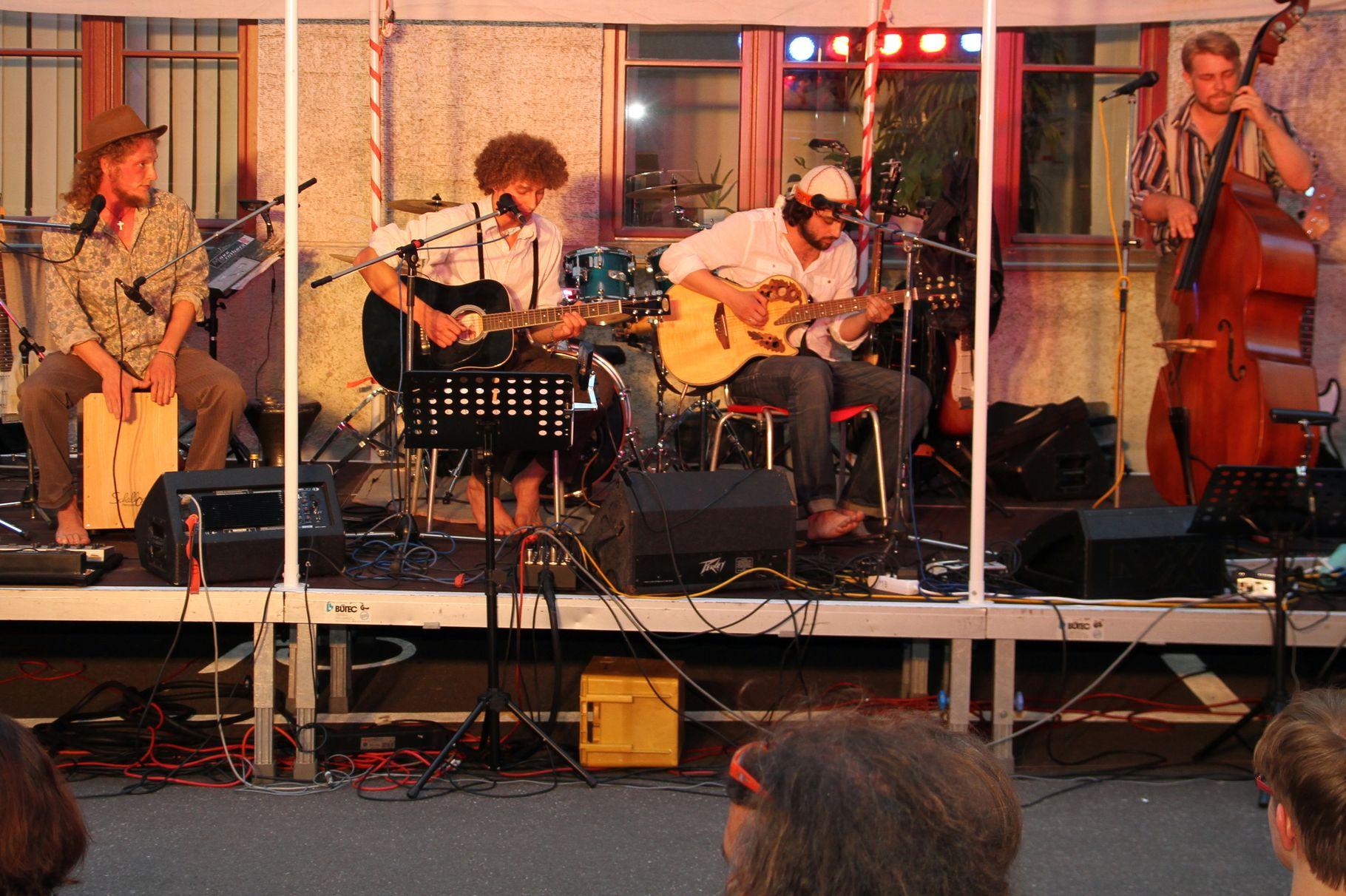 Konzerte im Bürgerhof 21.06.2012 Bossanogo - Freiwilligen-Zentrum Augsburg - Foto: Franz Lechner
