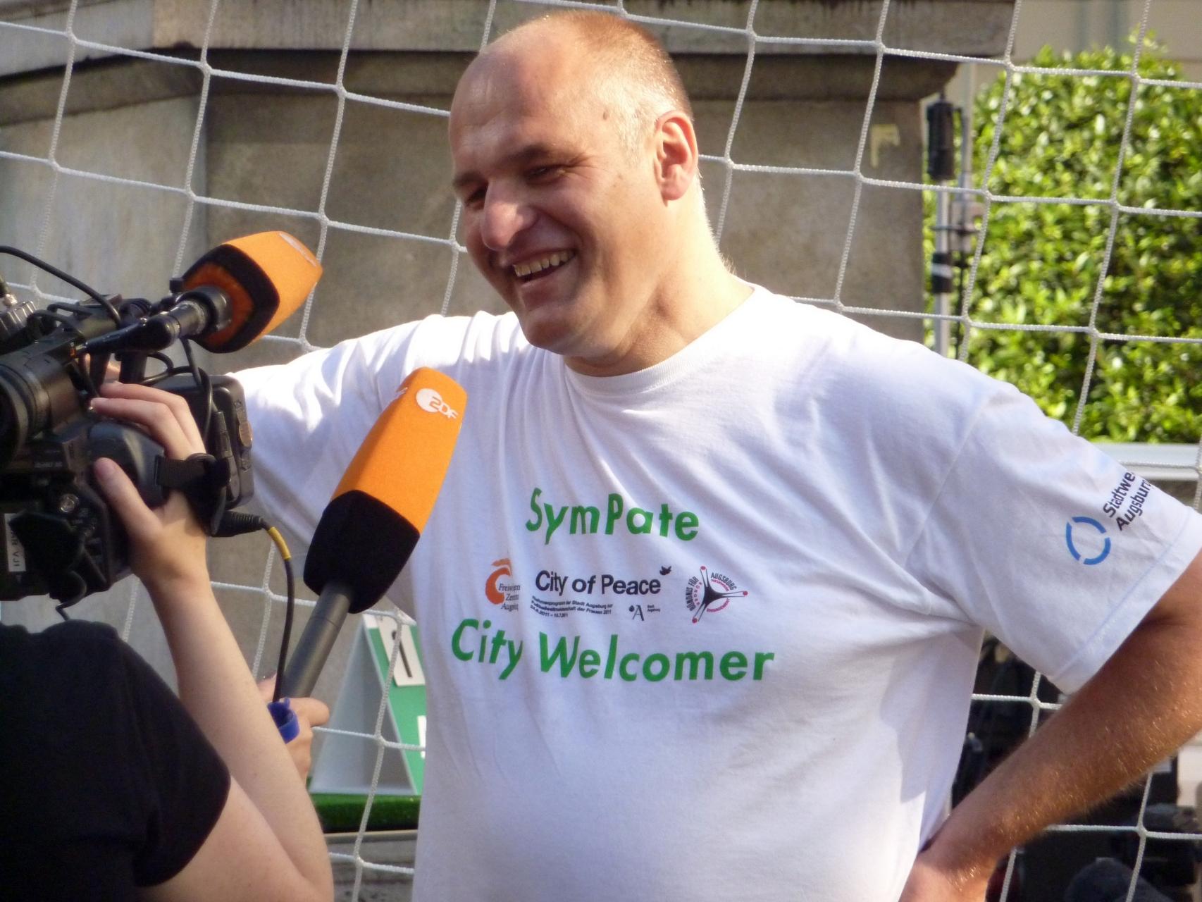 SymPaten - City Welcomers 2011 - Guinness World Records Elfmeterwettbewerb 29.06.11 - Foto: Barbara Friedrichs - Freiwilligen-Zentrum Augsburg