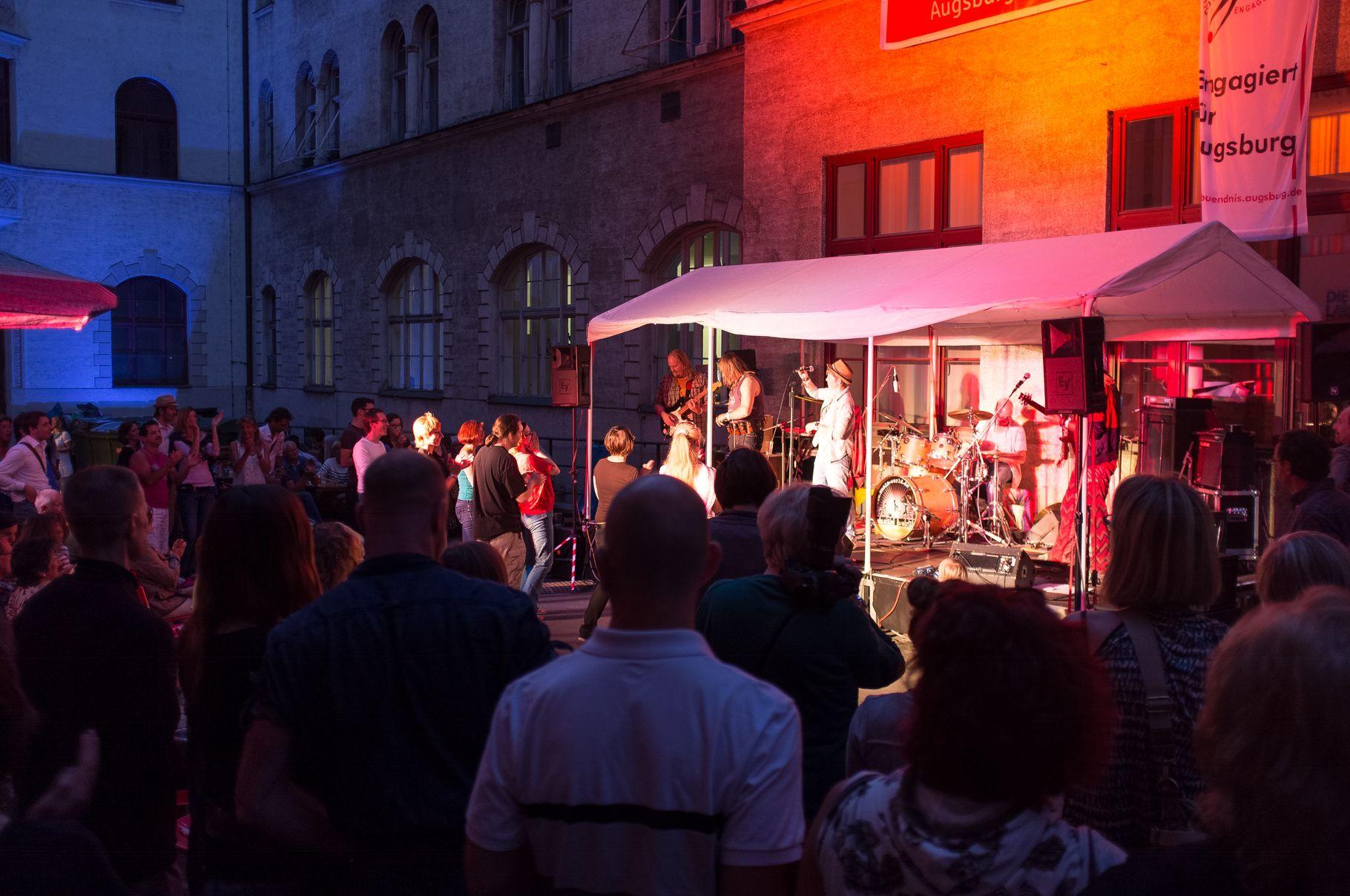 Konzerte im Bürgerhof 27.06.14 Catfish - Freiwilligen-Zentrum Augsburg - Foto: Crayfish
