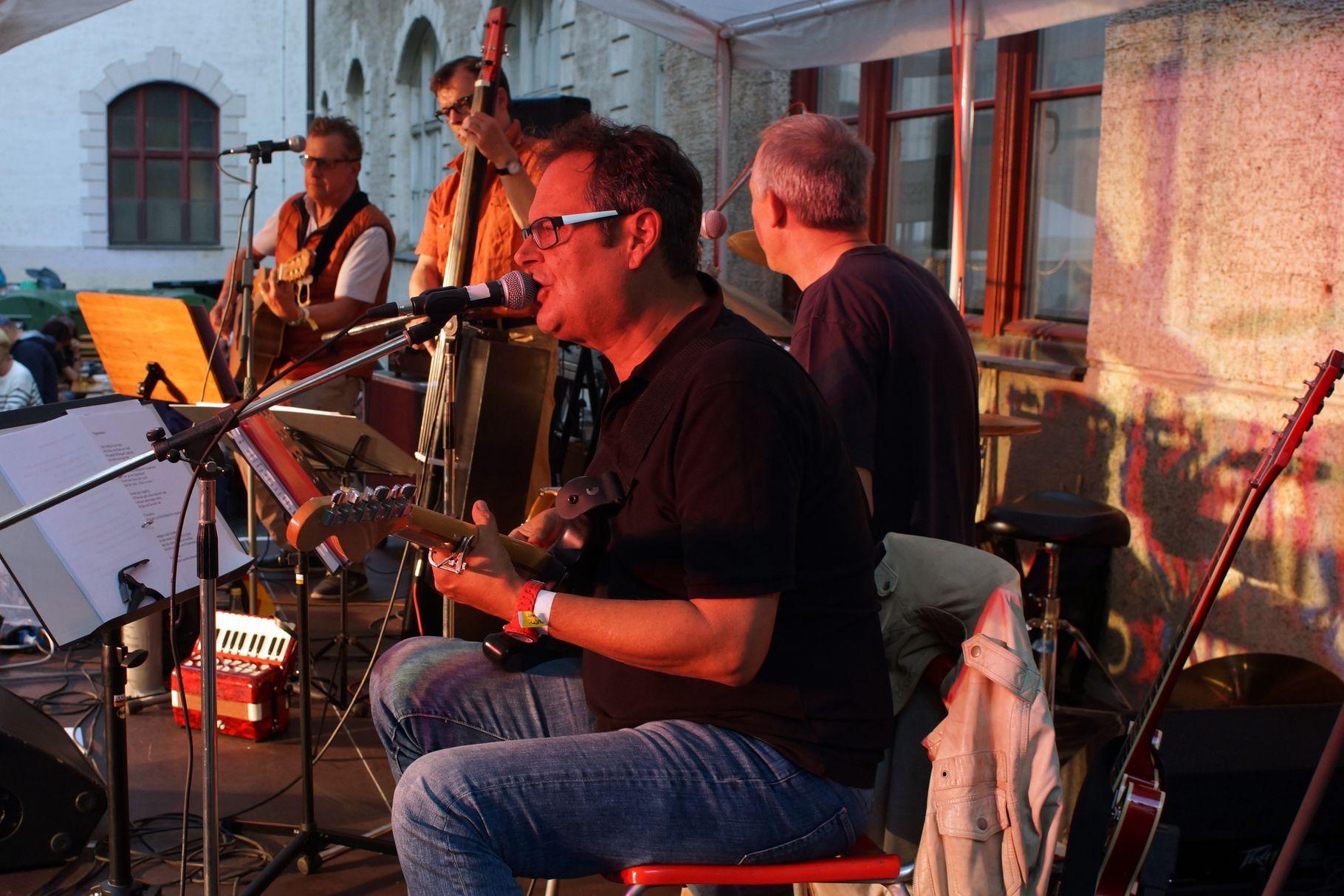 Konzerte im Bürgerhof 27.06.14 Zappek - Freiwilligen-Zentrum Augsburg - Foto: Crayfish