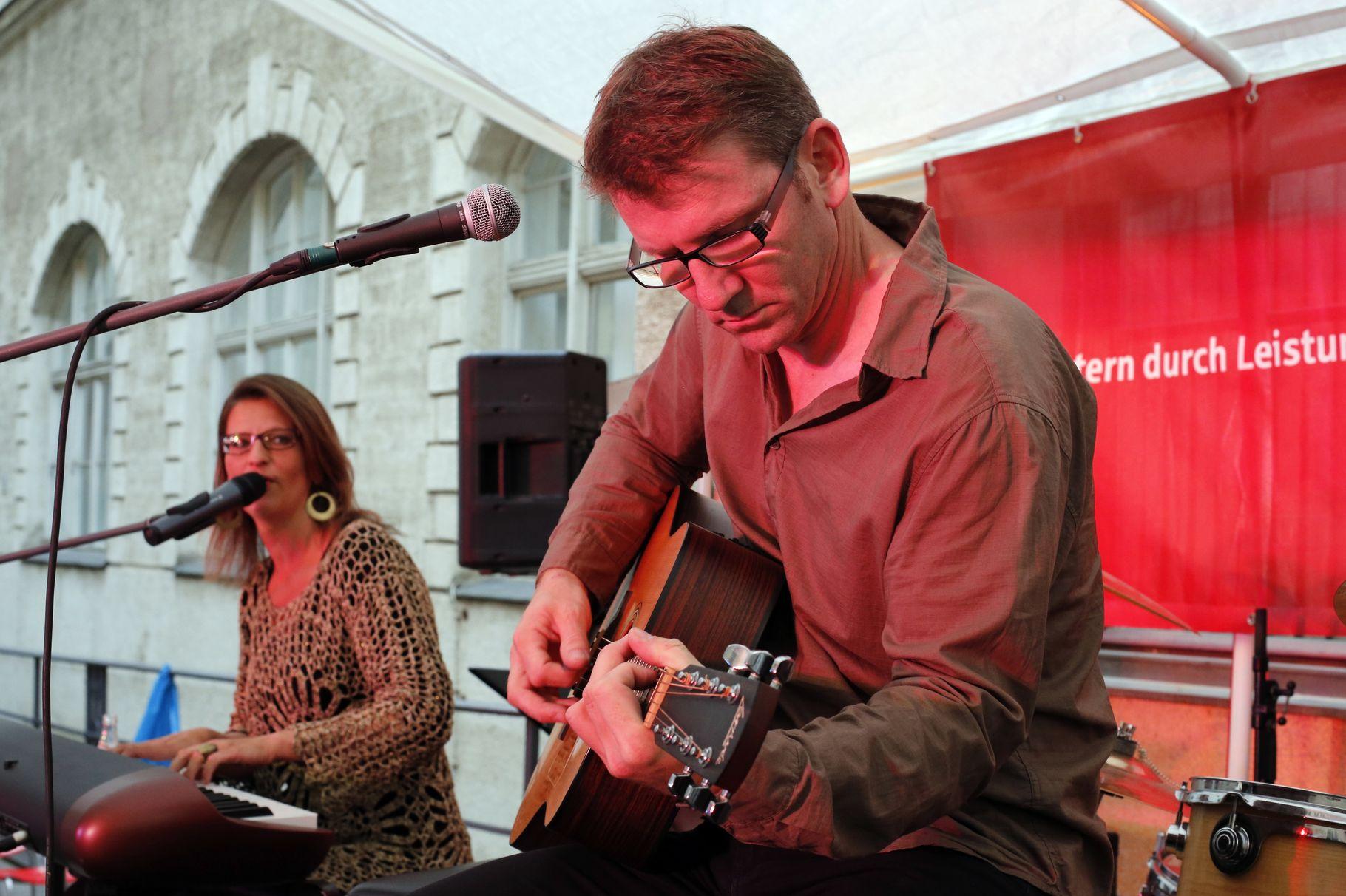 Konzerte im Bürgerhof 05.07.2013 SOLO - Freiwilligen-Zentrum Augsburg - Foto: Franz Lechner