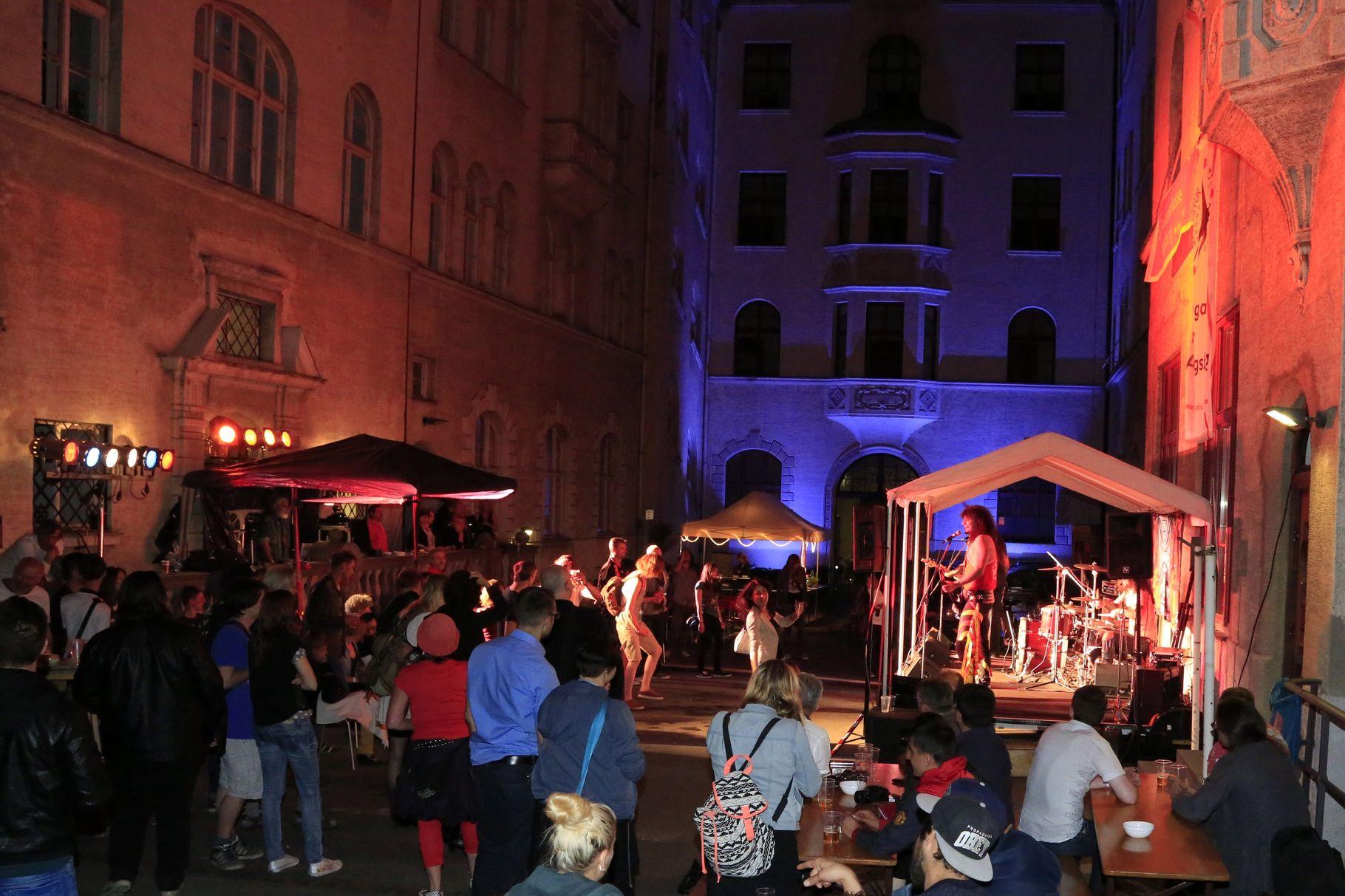 Konzerte im Bürgerhof 26.06.14 - Freiwilligen-Zentrum Augsburg - Foto: Franz Lechner
