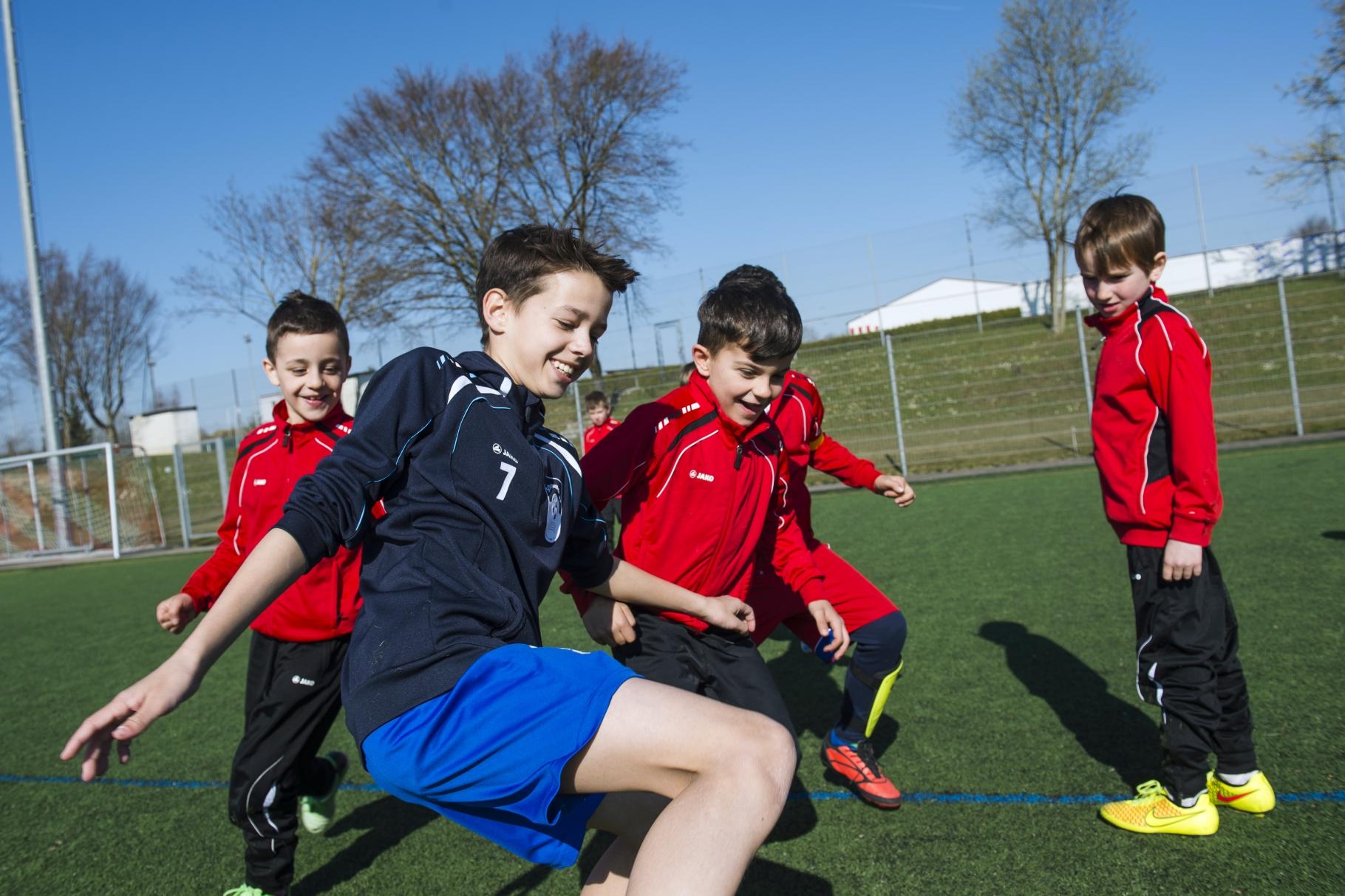 Marel beim Fußballtraining der F-Jugend - Foto: Guido Köninger - Freiwilligen-Zentrum Augsburg