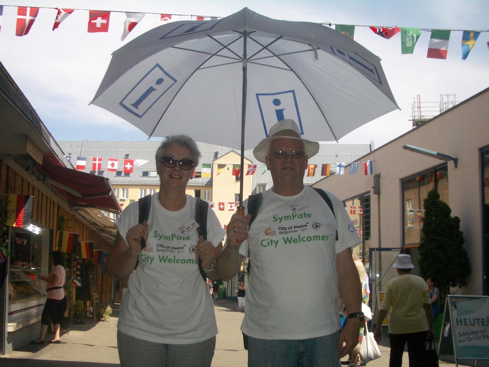 SymPaten - City Welcomers 2011 - Im Einsatz in der Innenstadt - Foto: Wolfgang F. Lightmaster - Freiwilligen-Zentrum Augsburg