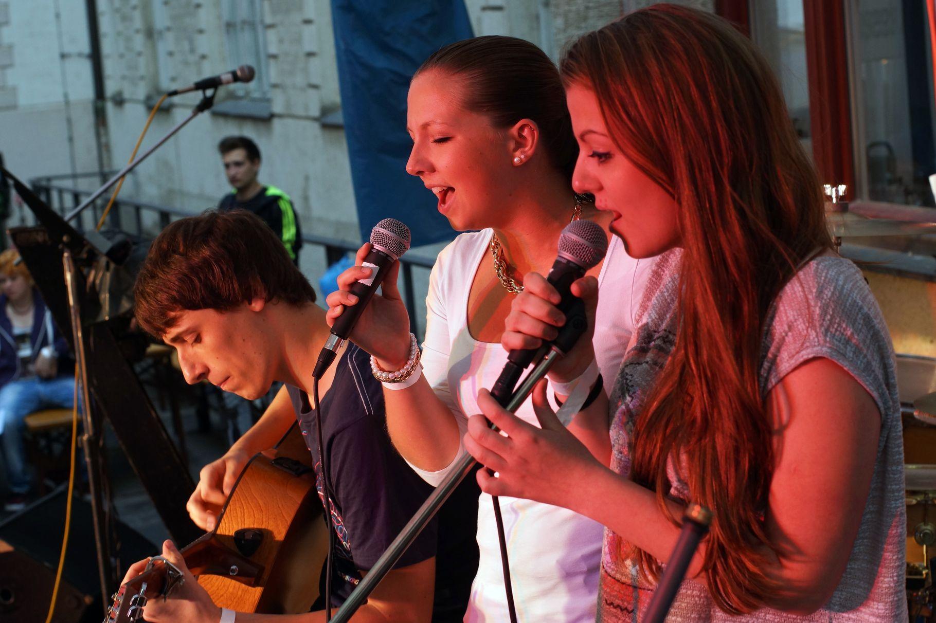 Konzerte im Bürgerhof 28.06.14 Street Academy - Freiwilligen-Zentrum Augsburg - Foto: Crayfish