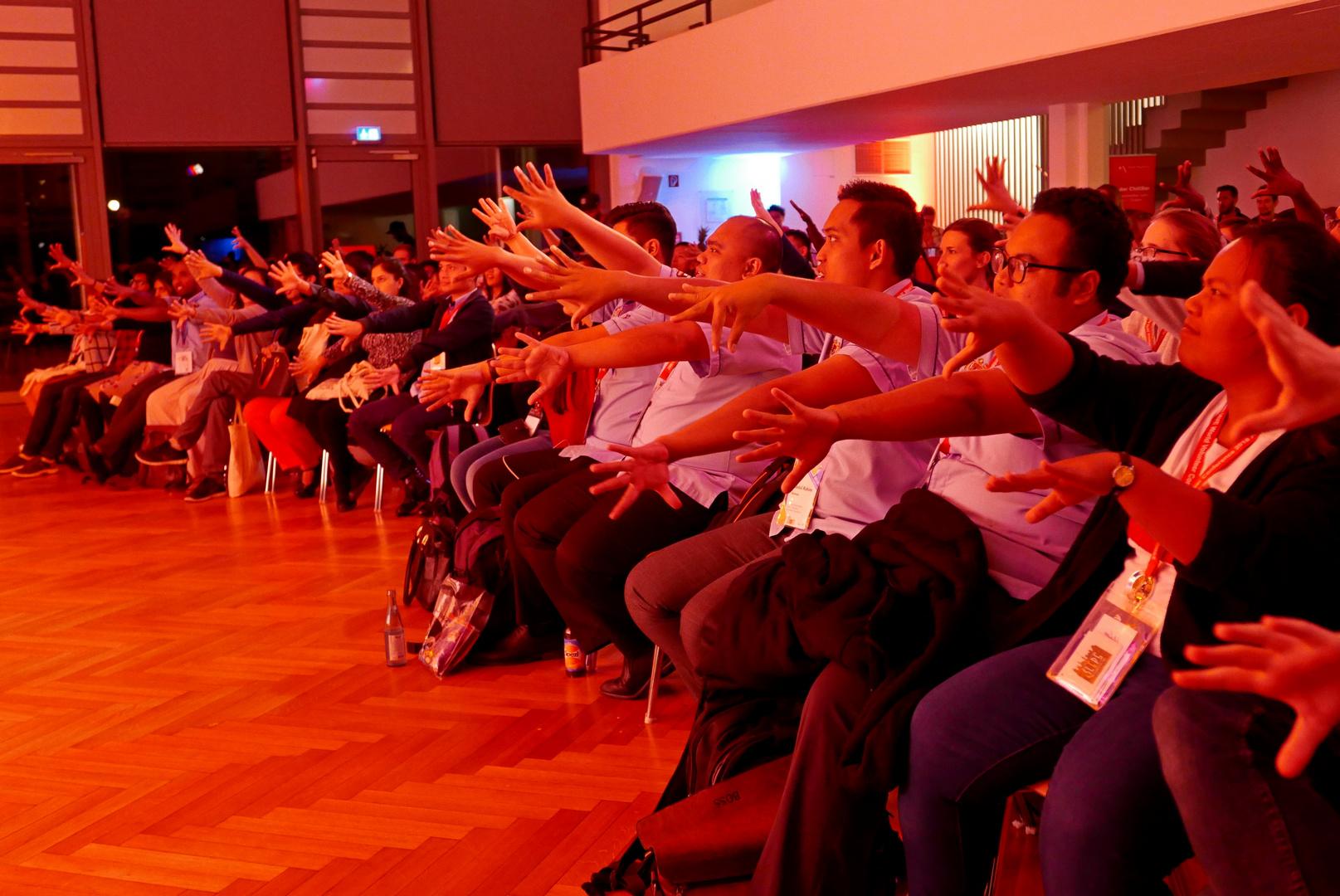Welt-Jugendfreiwilligenforum 2018 Augsburg / Deutschland - 16.10.2018 Fachhochschule Party - Foto: Christoph Urban - Freiwilligen-Zentrum Augsburg