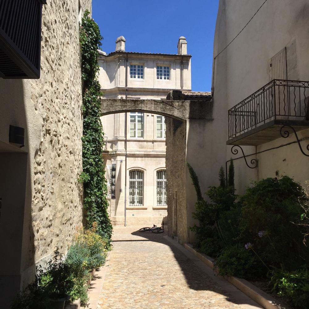 St Remy de Provence  BA Sculpture artiste