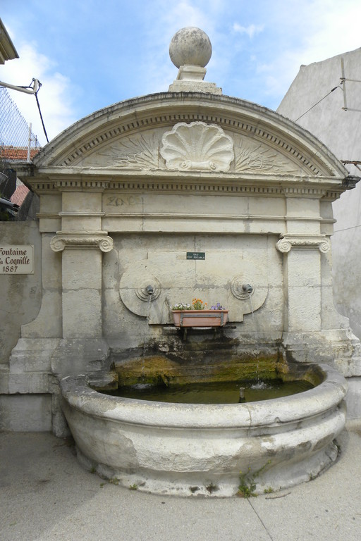 Fontaine Coquille Eyguières
