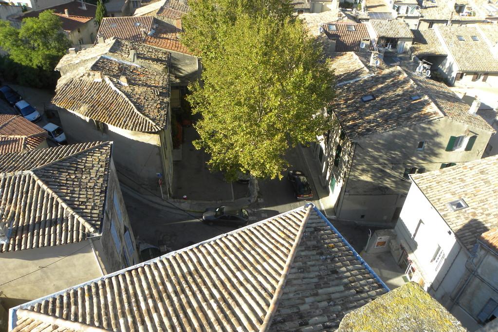 Vue de l'église sur le village