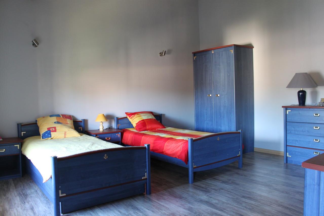 Deuxième étage: chambre 1 - 20m2- ( 2 lits 90)