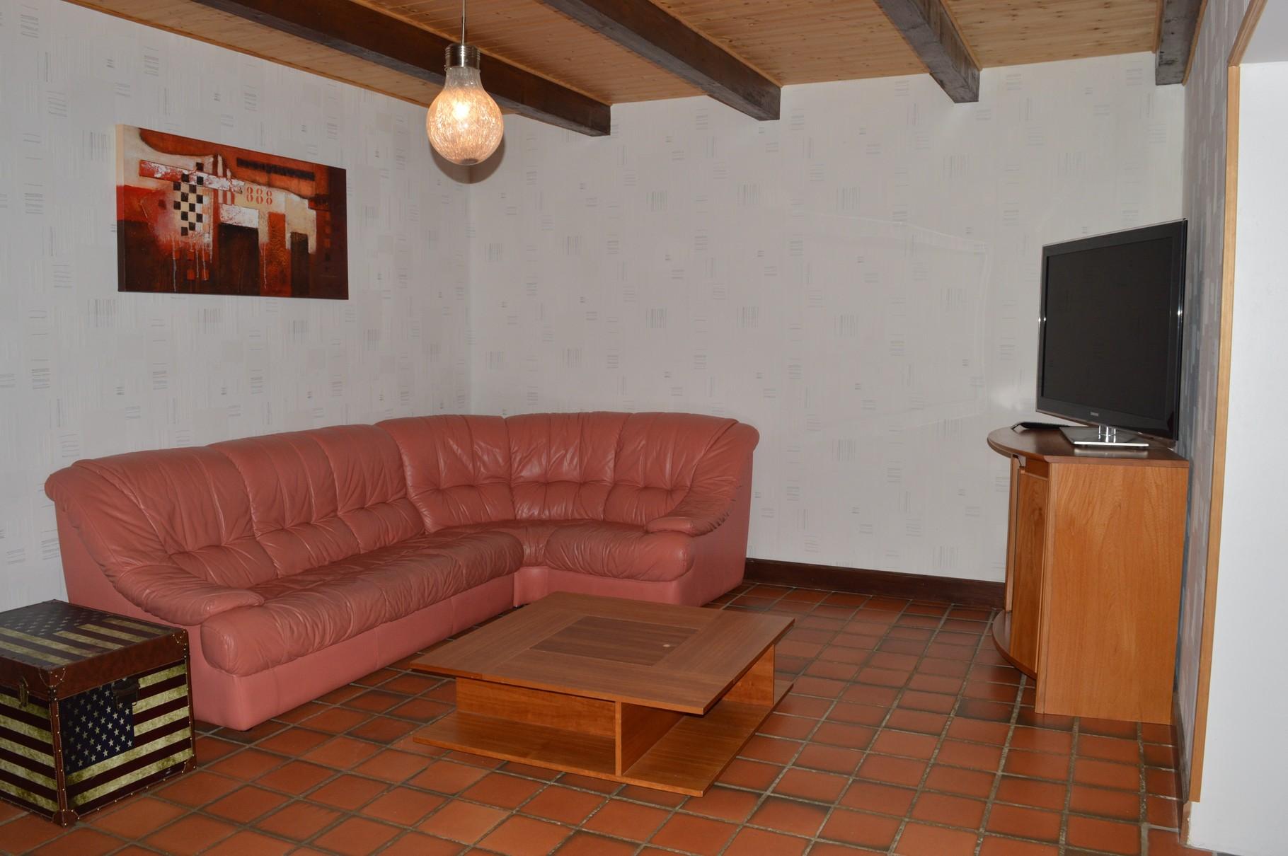 Salon avec Télévision Rez-de-Chaussée