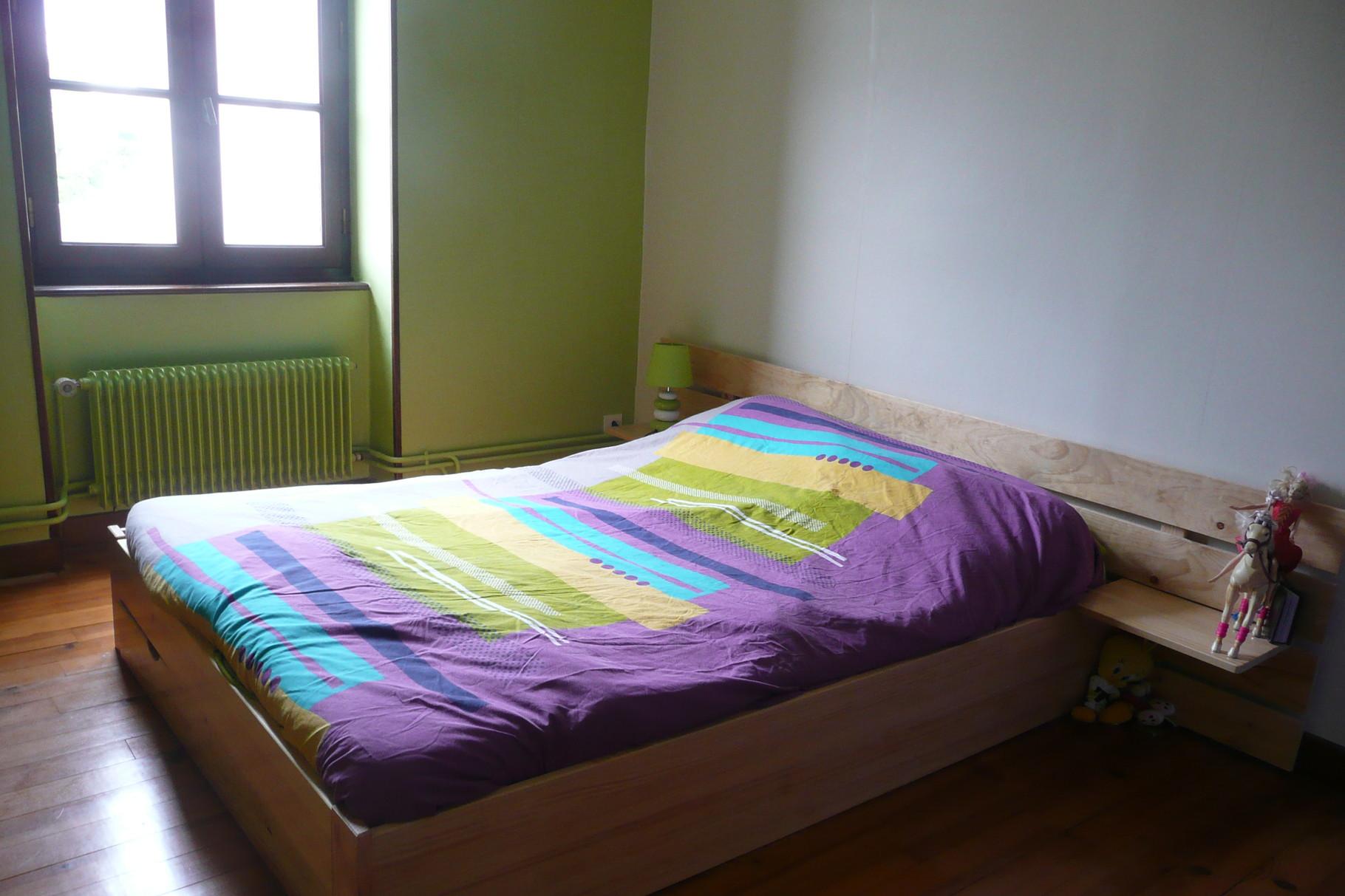 Premier étage: chambre 3 (1 lit 140 et 1 lit bébé)
