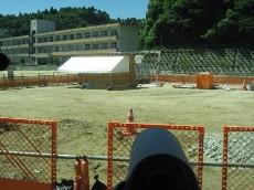 中学校校舎体育館など建設中