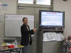鈴木代表の講演風景