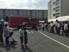消防車からの放水訓練