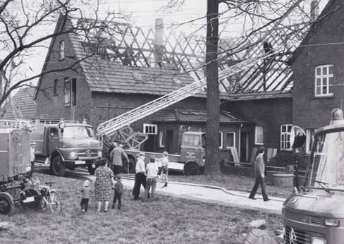 Feuer auf dem Hof Sandau 1971
