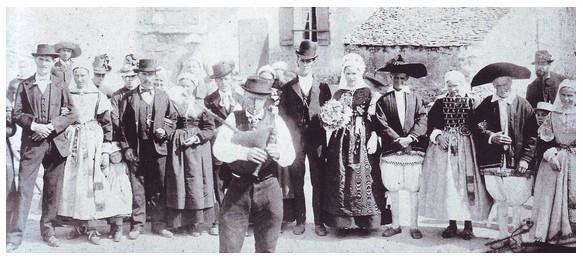 Un sonneur de veuze lors d'un mariage à Saillé en Guérande