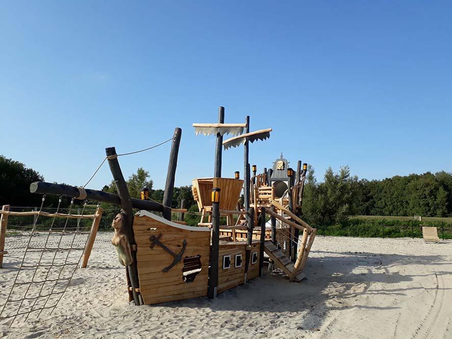 """Viel Spaß für Entdecker bietet das Piratenschiff """"Nalani"""" in Barssel."""