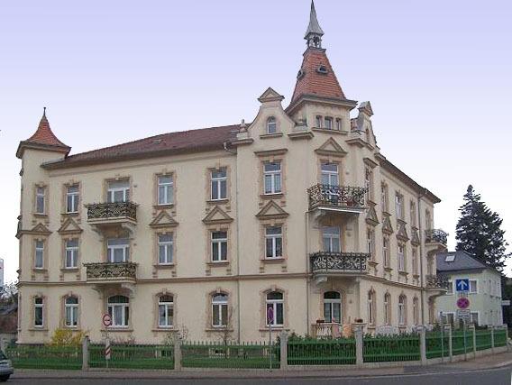 Umbau und Modernisierung MFH Radebeul, Karl-May-Straße (1999)