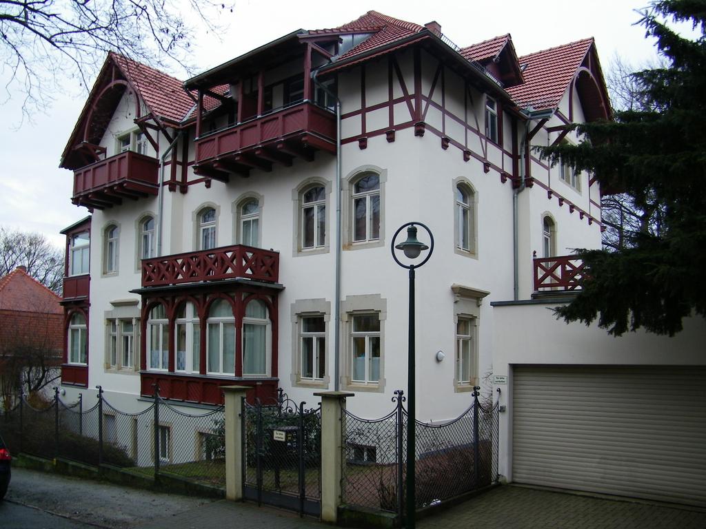 Fassadensanierung Dresden-Weißer Hirsch, Küntzelmannstraße (2010)