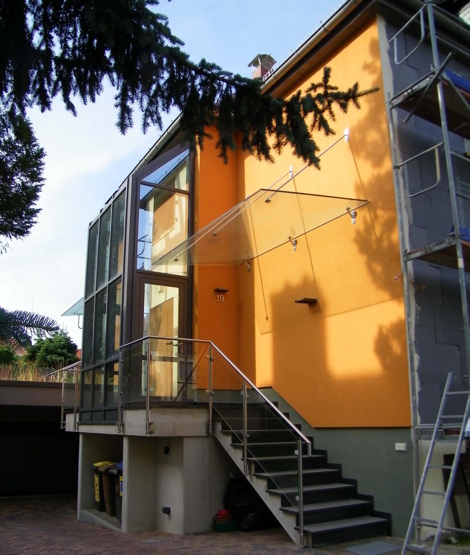 Umbau Wohnhaus mit Tiefgarage und Pool (2017)
